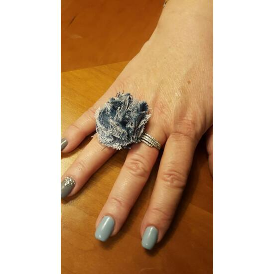 Fodros gyűrű